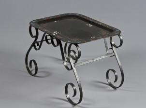 Tarjotinpöytä