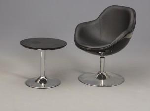 Tuoli ja pöytä