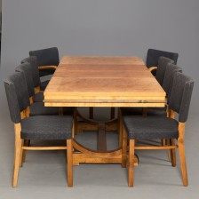 Ruokapöytä, tuoleja, 6 kpl ja nojatuoleja, 2 kpl