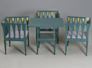 Nojatuoleja, 3 kpl ja pöytä