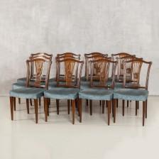 Ruokapöydän tuoleja 12 kpl.