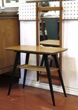 Peili ja -pöytä