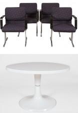 Tuoleja, 4 kpl ja pöytä