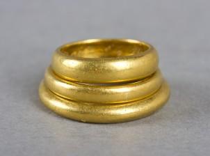 Kultasormuksia, 3 kpl