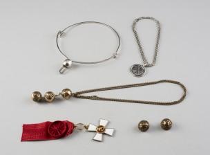 Kalevala koruja, 2 kpl, Kaunis koru ja kunniamerkki