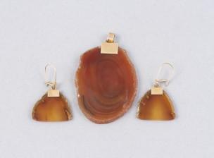 Amuletti ja korvakorupari