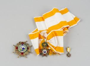 Kunniamerkki, rintatähti ja miniatyyri
