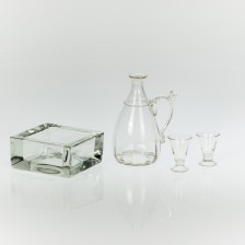 Tuhkakuppi,  viinakarahvi ja laseja, 2 kpl