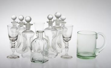 Pulloja 6+1, laseja, 3 kpl ja tuoppi