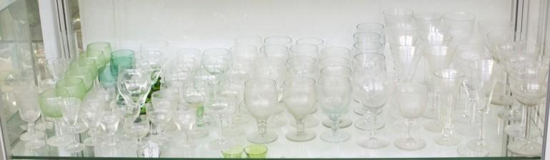 Erä laseja, n. 85 kpl