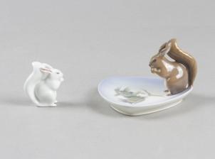 Koristelautanen ja figuriini, orava