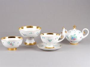 Teekuppeja, 6 kpl, teekannu ja kulhoja, 2 kpl