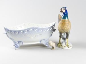 Kulho ja figuriinejä, 2 kpl
