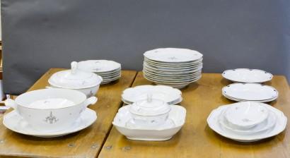 Ruoka-astiasto, noin 35 osaa