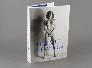 Kirja: Helmut Newton
