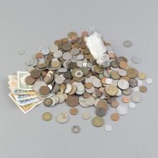 Erä rahoja ym.