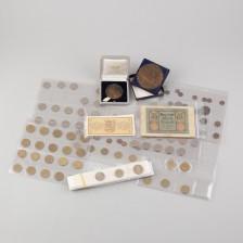 Erä rahoja ja mitaleita, 2 kpl