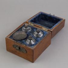 Hajuvesipullolaatikko