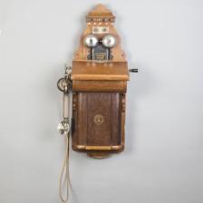 Ericssonin seinäpuhelin