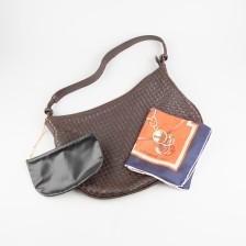 Käsilaukku (Cosci) ja silkkihuivi