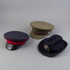 Hattuja, 3 kpl