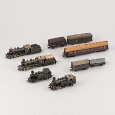 Erä leikkijunia ja vaunuja
