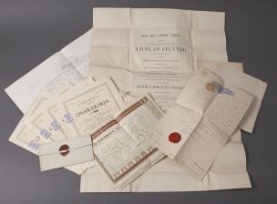 Erä osakekirjoja ja dokumentteja