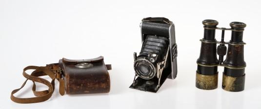 Kiikarit ja kamera