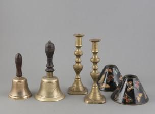 Vellikelloja, 2 kpl, kynttilänjalka- ja lampunvarjostinpari