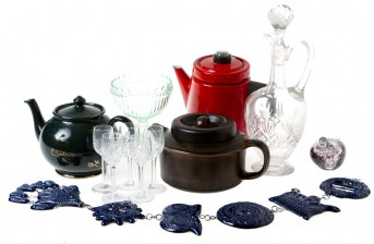 Kahvi- ja teepannuja, 3 kpl, figuriini, kulho, ikkunakoriste ja karahvi+ laseja, 5 kpl
