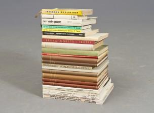 Erä kirjoja ja lehtiä