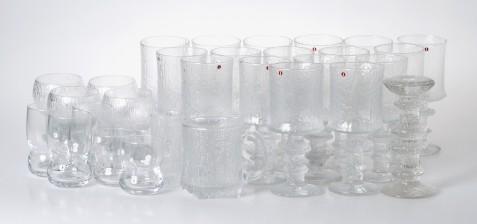 Sarpaneva, Timo, 28 kpl ja Wirkkala, Tapio, 2 kpl