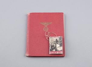 NSDAP:n puoluejäsenkirja ja propagandavihko
