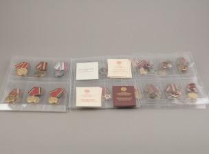 Neuvostoliittolaisia merkkejä ja diplomipasseja, erä