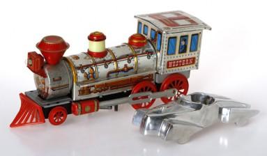 Leikkijuna ja -auto